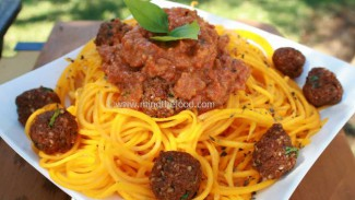 Raw Spaghetti Bolognese with Meatballs