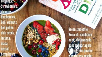 Very Berry Superfood Bowl
