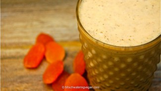 Raw Apricot Nectar & Cinnamon Smoothie