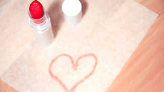 My Natural Lipstick Review + 6 Lip-Smacking Tips