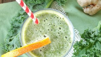 Citrus Ginger Kale Smoothie with Kombucha