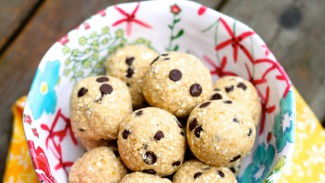 Vegan Cookie Dough Truffles