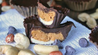 Chocolate Peanut Butter Cashew Cups