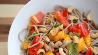 Soba Noodle Salad with Mango, Red Pepper and Cashews