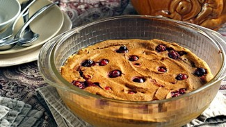 Baked Pumpkin-Cranberry Oatmeal Pudding