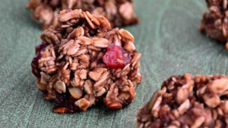 No-Bake Cherry Oatmeal Cookie Bites