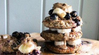 Blueberry & Banana Breakfast Hotcakes