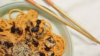 Yam Noodles With Sweet Sauce