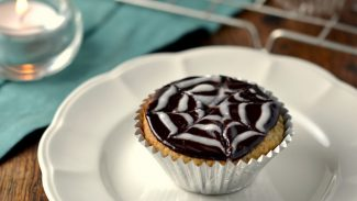 Spiderweb Coconut Cupcakes