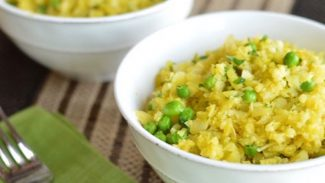 Cauliflower Risotto with Saffron and Peas