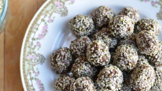 Chocolate Hemp Maca Energy Balls