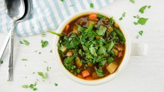 1-Pot Lentil, Potato and Spinach Soup (video)