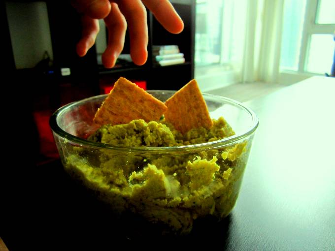 Optimized-split pea hummus (2)