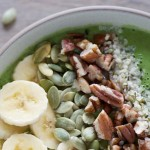 Arugula, Romaine and Pear Smoothie Bowl